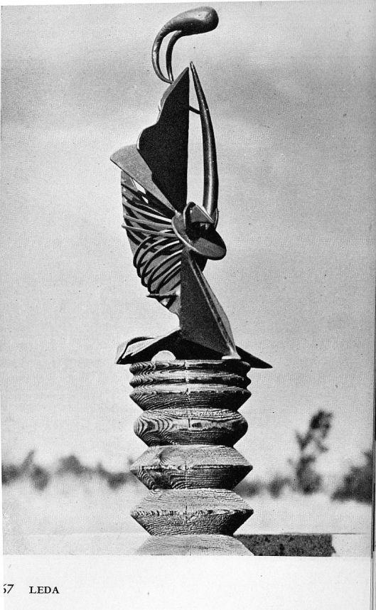 leda sculpture